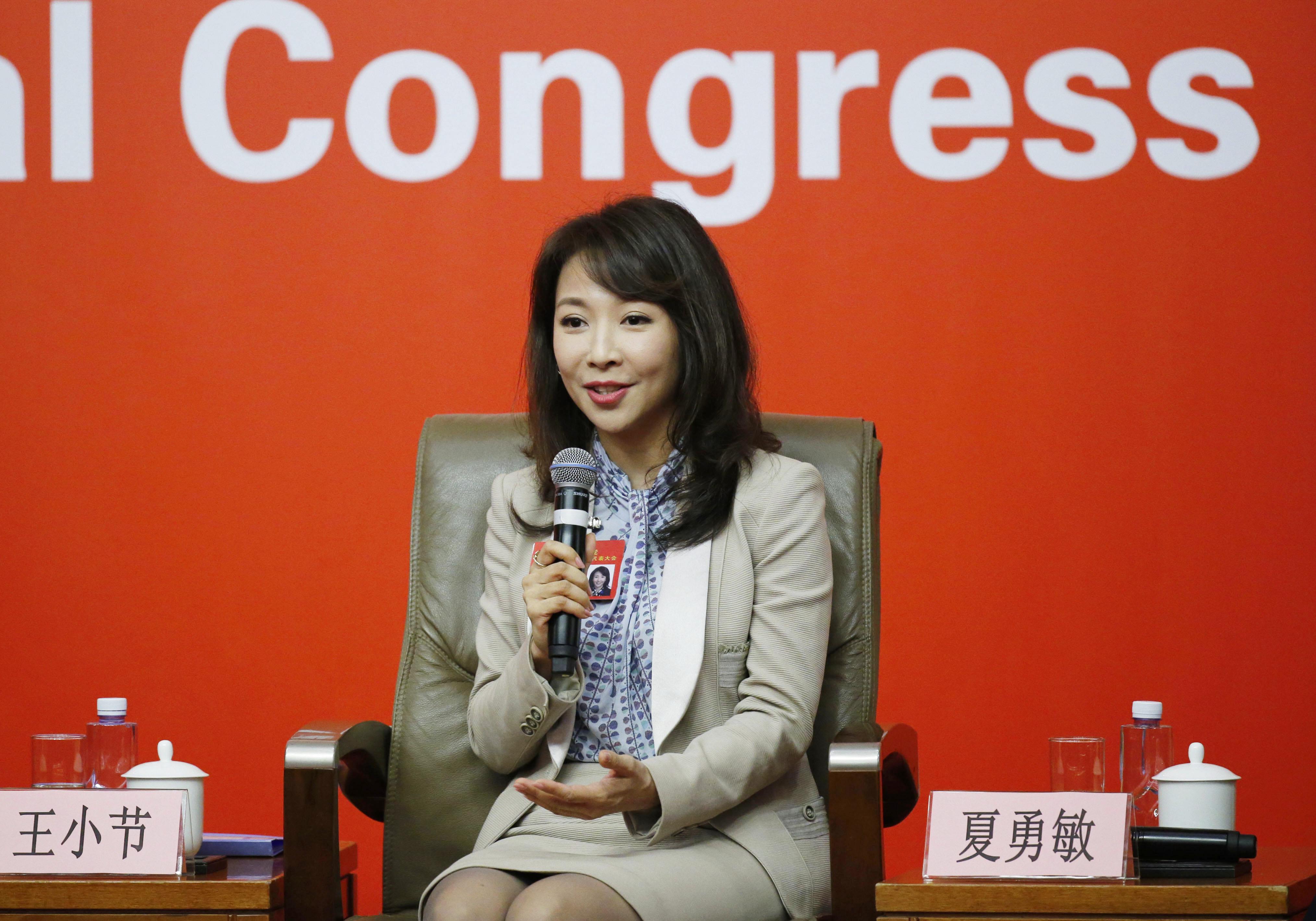 王小节_中央电视台驻北京记者站站长王小节接受集体采访(张玉薇 摄)